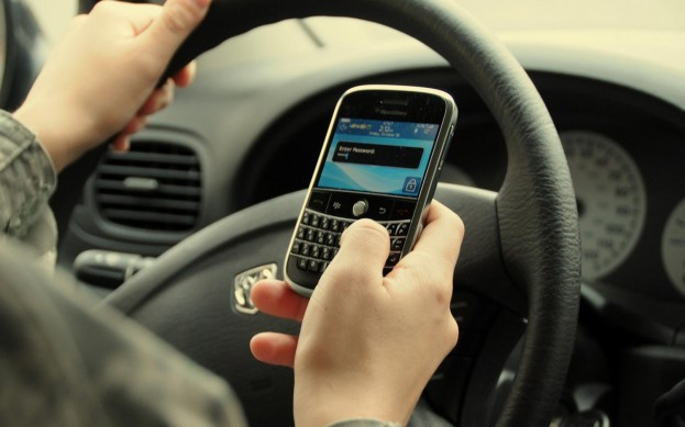 Smartphones and driving not a good idea