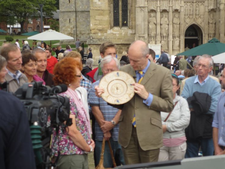 Antiques Roadshow Exeter Cathedral