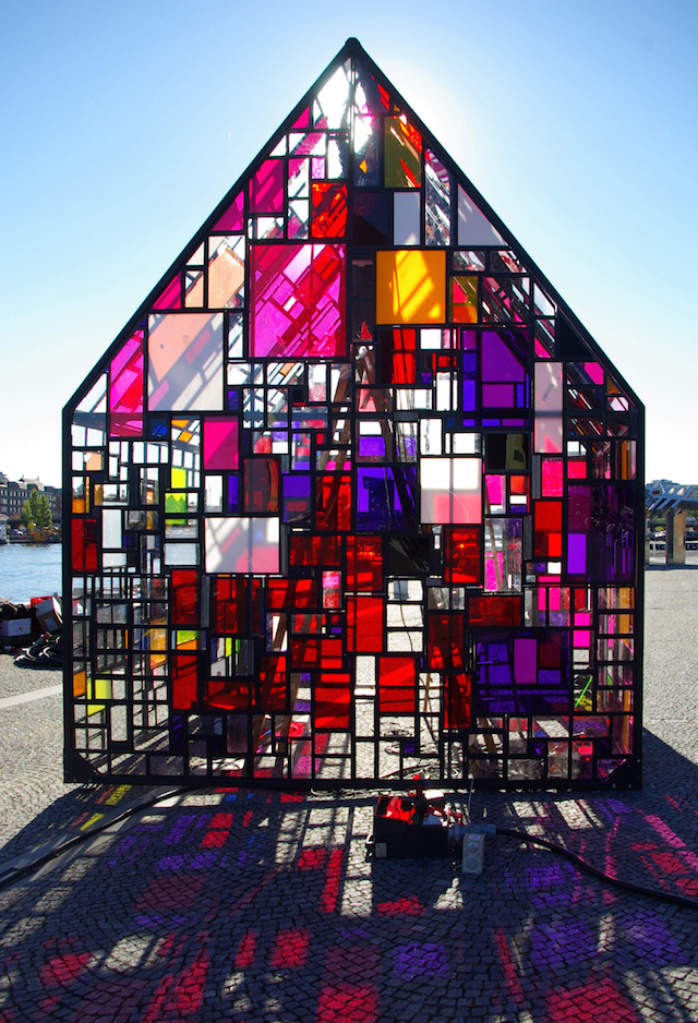 Tom Fruin - plexiglas house NYC